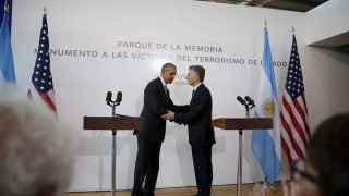 Barack Obama saluda a Mauricio Macri.