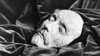 Supuesta máscara funeraria de William Shakespeare.