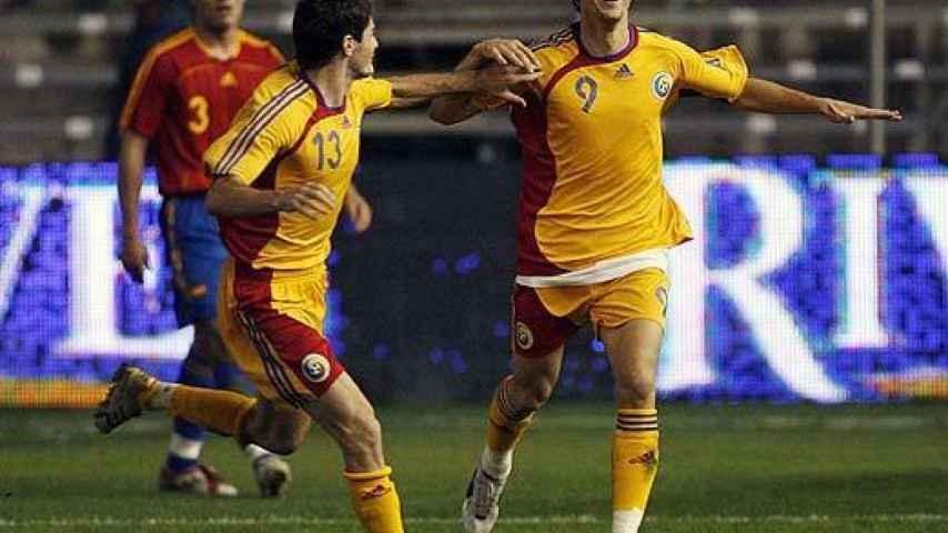 Marica celebra su gol en el España - Rumanía de 2006
