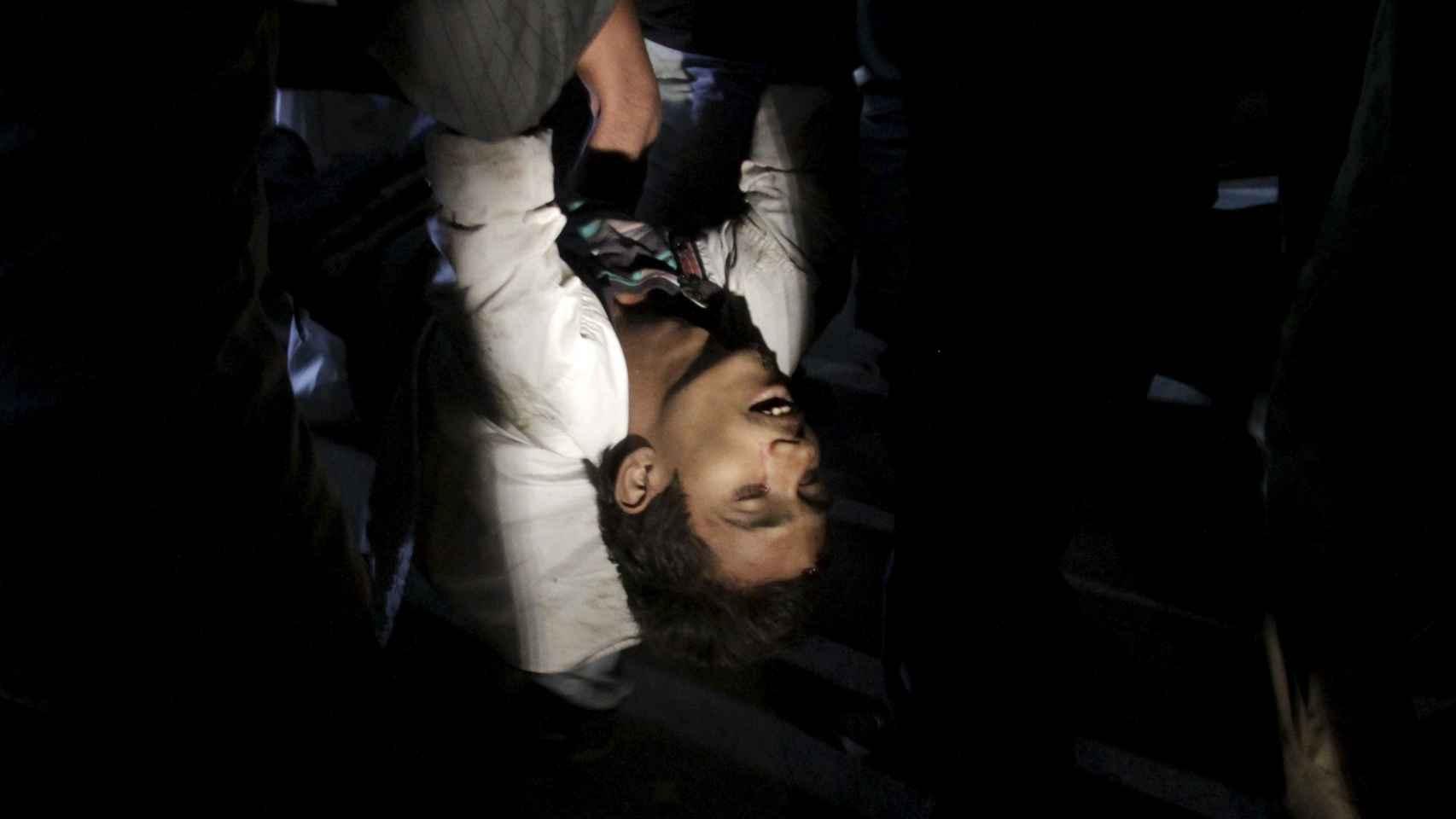 Al menos 63 muertos y 290 heridos en un atentado suicida en Pakistán