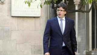Carles Puigdemont llega a la reunión de la Mesa del Parlament.