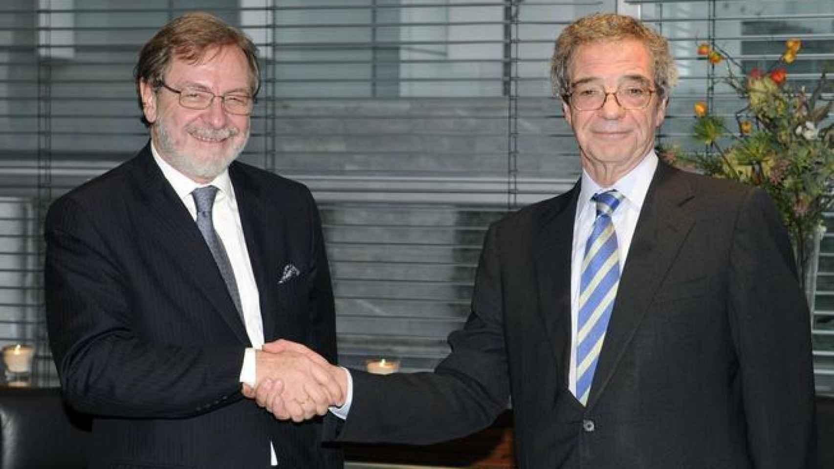 Juan Luis Cebrián y César Alierta cuando acordaron la venta de Digital Plus.