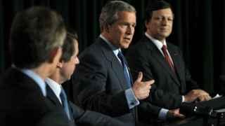 Blair, Aznar, Bush y Barroso, en la cumbre de las Azores
