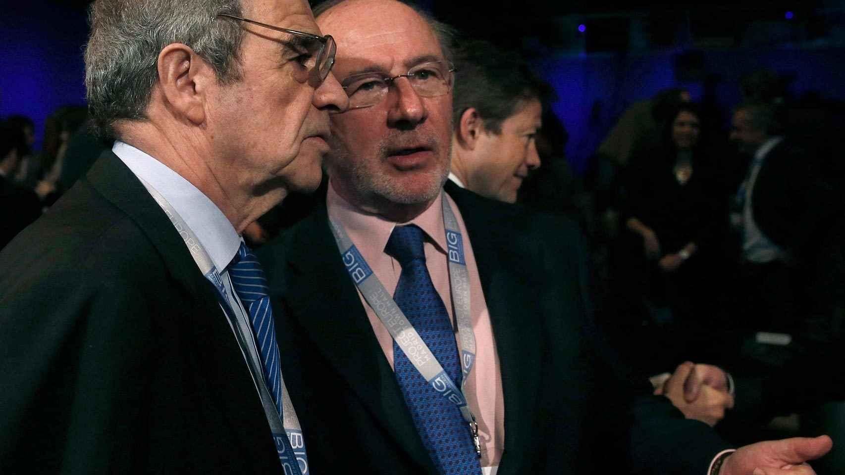 Alierta y Rato conversan durante una conferencia sobre Europa en febrero de 2014.