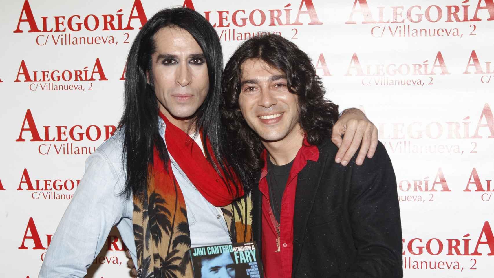 Mario Vaquerizo y Javi Cantero durante la presentación del disco 'Recordando El Fary'