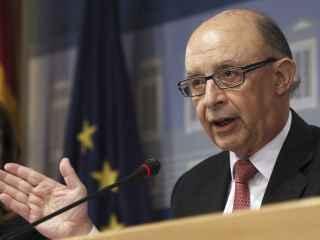 Cristóbal Montoro explica los datos del déficit.