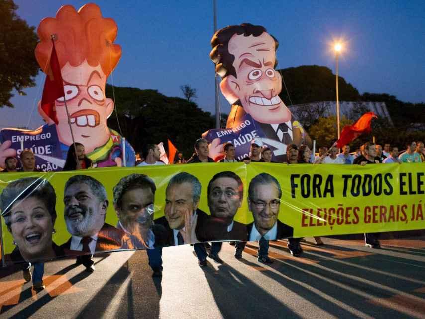 Las acusaciones de corrupción en las más altas esferas movilizan a Brasil.