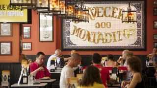 Interior de un establecimiento de 100 Montaditos, del grupo Restalia.