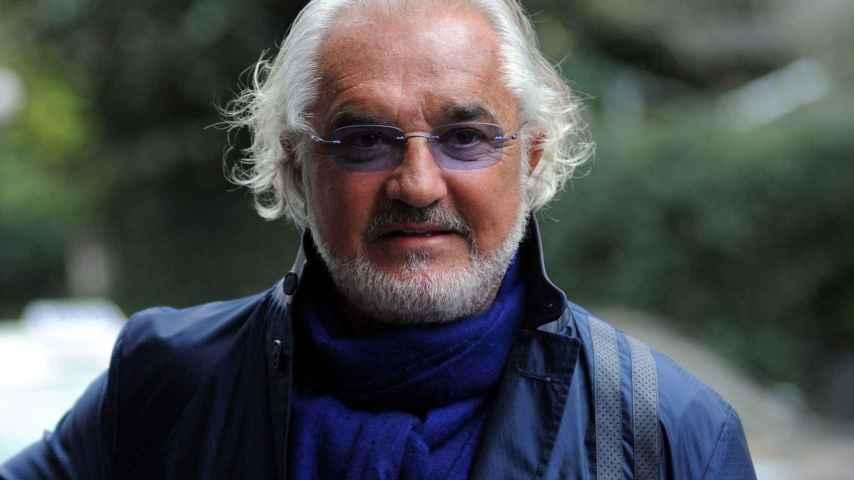 Flavio Briatore luce orgulloso su nuevo aspecto en Milán