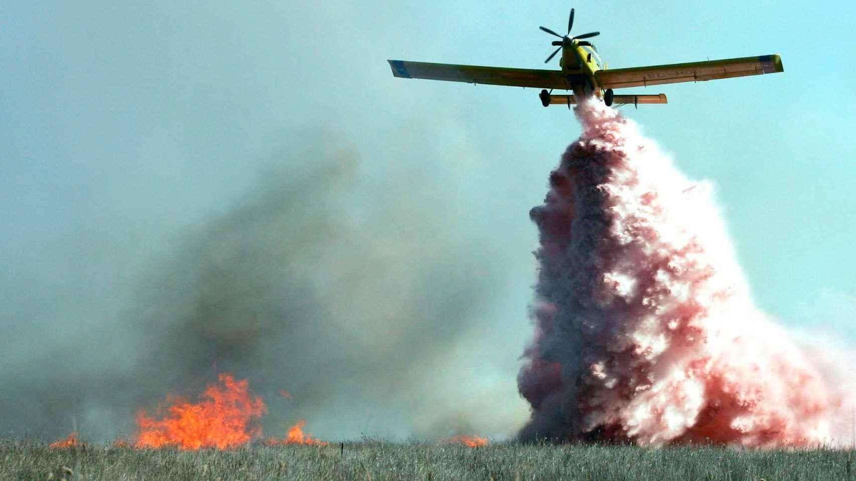 Resultado de imagen de aviones de incendio en canarias