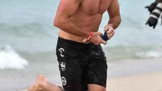 Scott Eastwood, el hijo de Clint, participante en un Triatlón en South Beach (Miami)