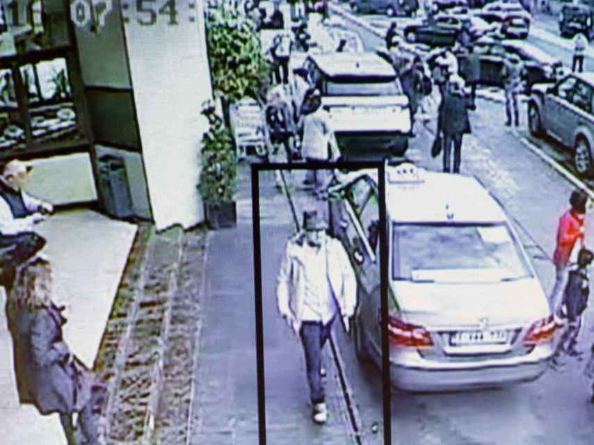 Una de las imágenes del tercer terrorista de Zaventem en el vídeo de la policía belga