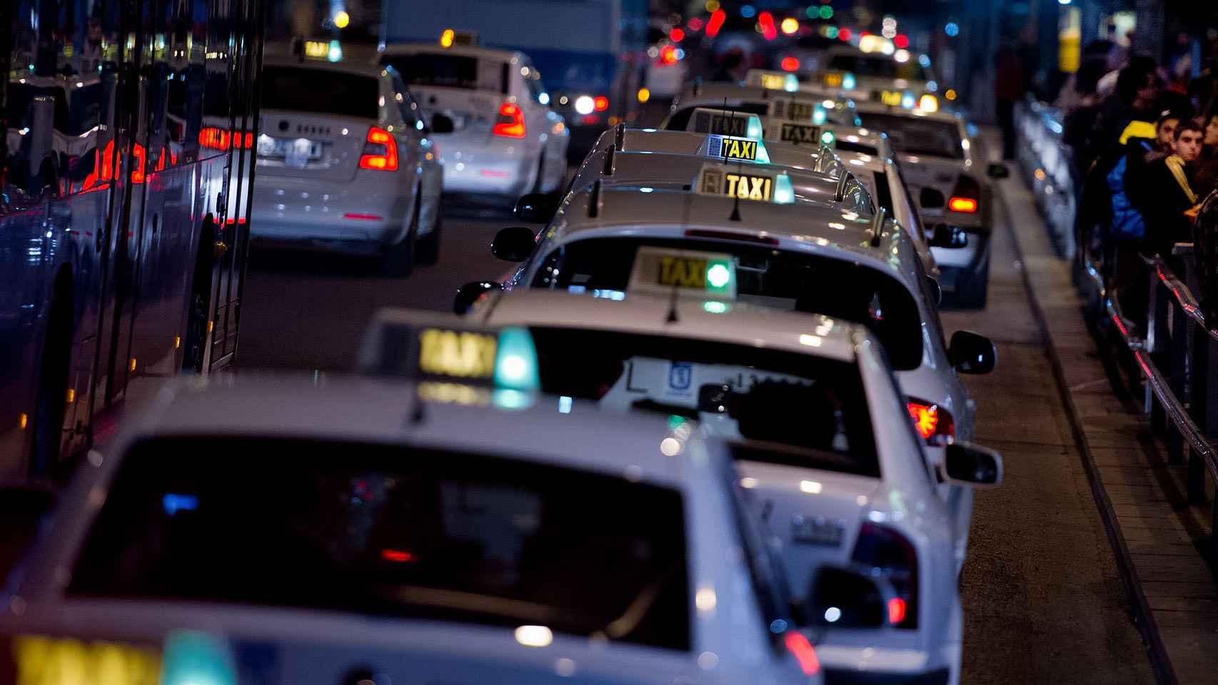 Los taxis, un colectivo señalado también por la CNMC.