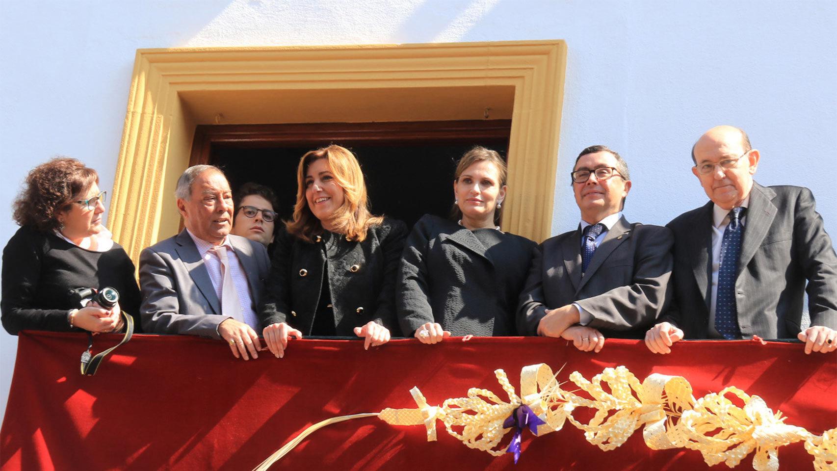Susana Díaz con la soprano Ainhoa Arteta en la Semana Santa.