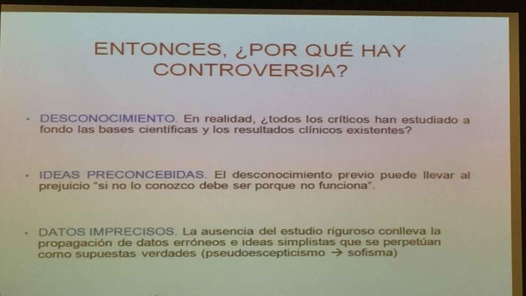 Una de las diapositivas usadas durante el evento.