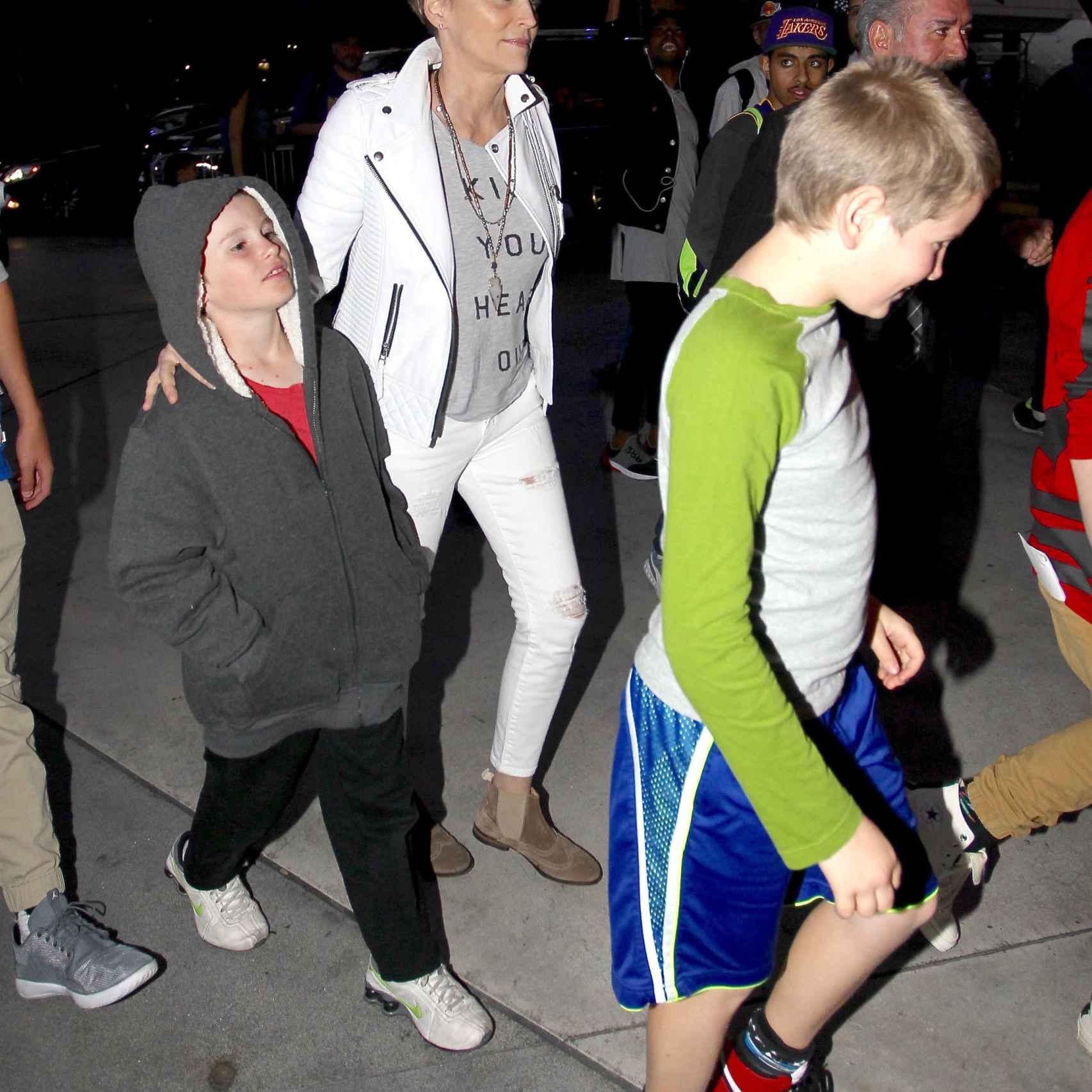 Sharon con sus hijos Quinn y Laird Stone