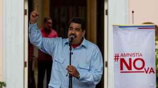 Maduro llama racista, basura corrupta y colonialista a Rajoy y le amenaza con Podemos