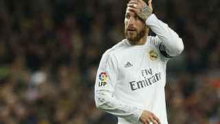 Sergio Ramos se lamenta en el partido ante el Barcelona.