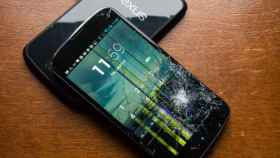 Las 7 pruebas de resistencia para móviles más duras
