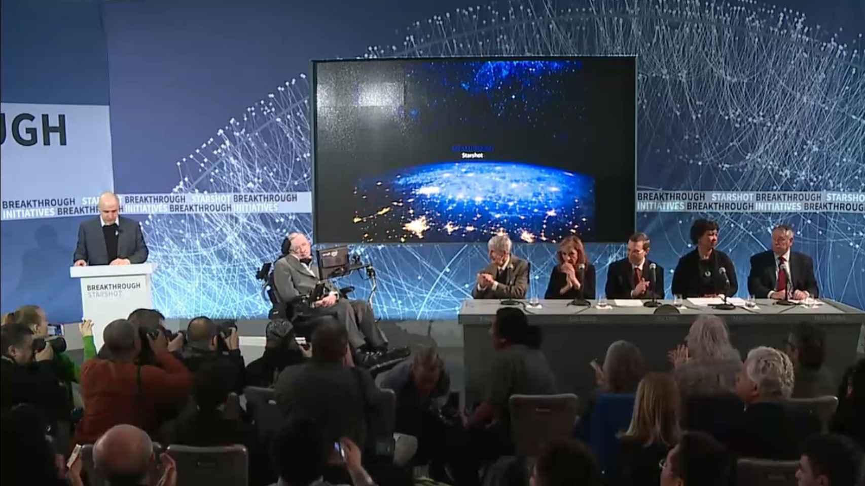 Milner y Hawking, durante la presentación.