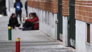 Algunos alumnos en el IES Juan de La Cierva de Madrid durante la jornada de huelga