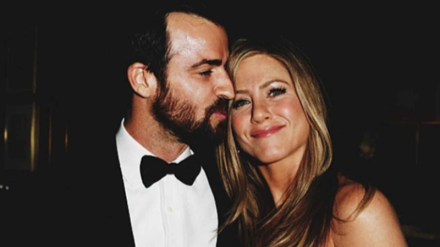 Justin Theroux besa a Jennifer Aniston en los Oscar