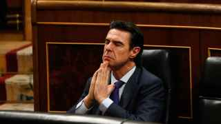 El ministro de Industria en funciones, José Manuel Soria, en su escaño, al inicio del pleno este miércoles.