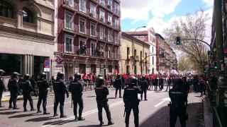 Cordón policial para dividir la manifestación en dos por razones de seguridad