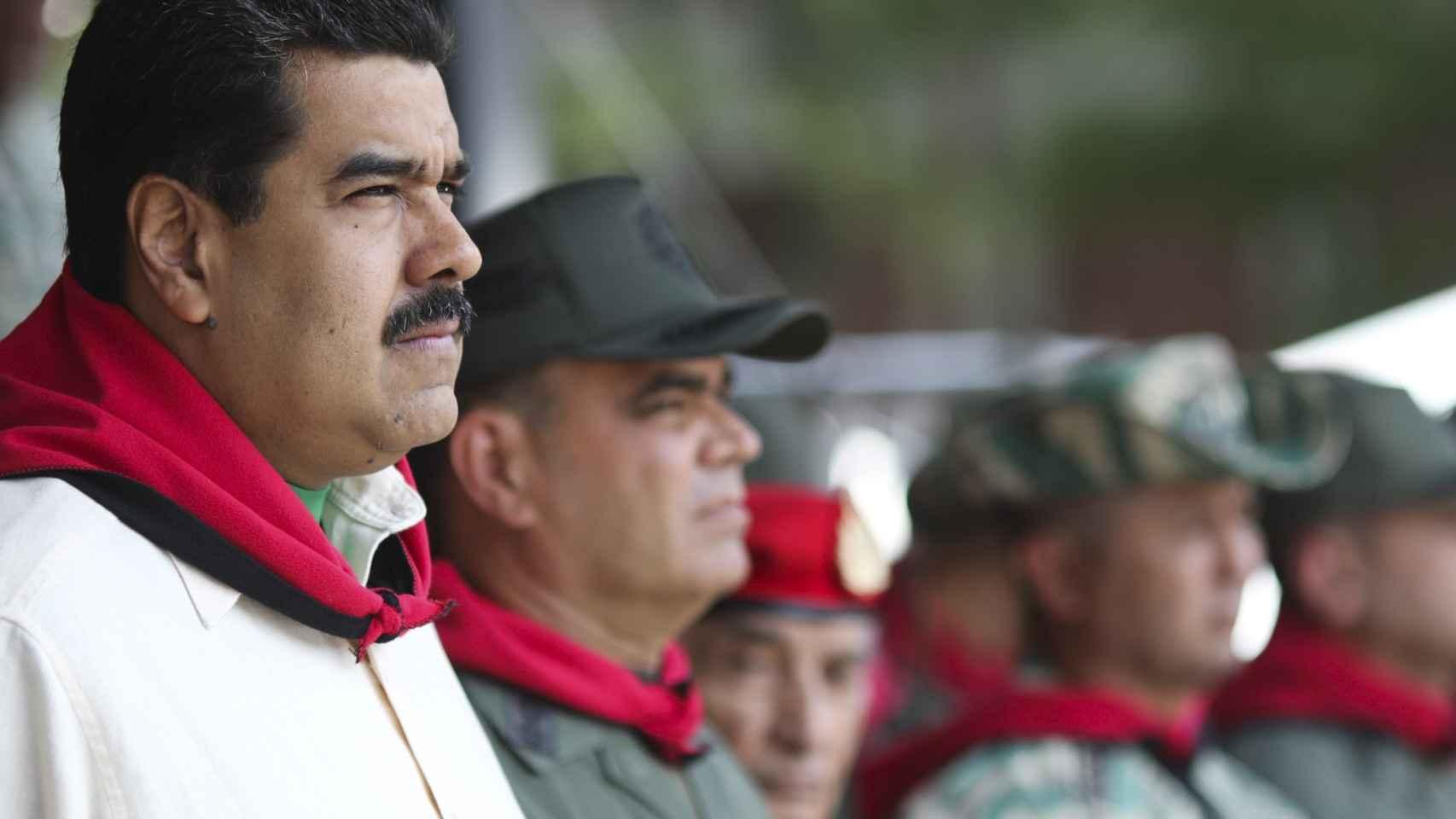 La oposición quiere sacar a Maduro por medio de un plebiscito.