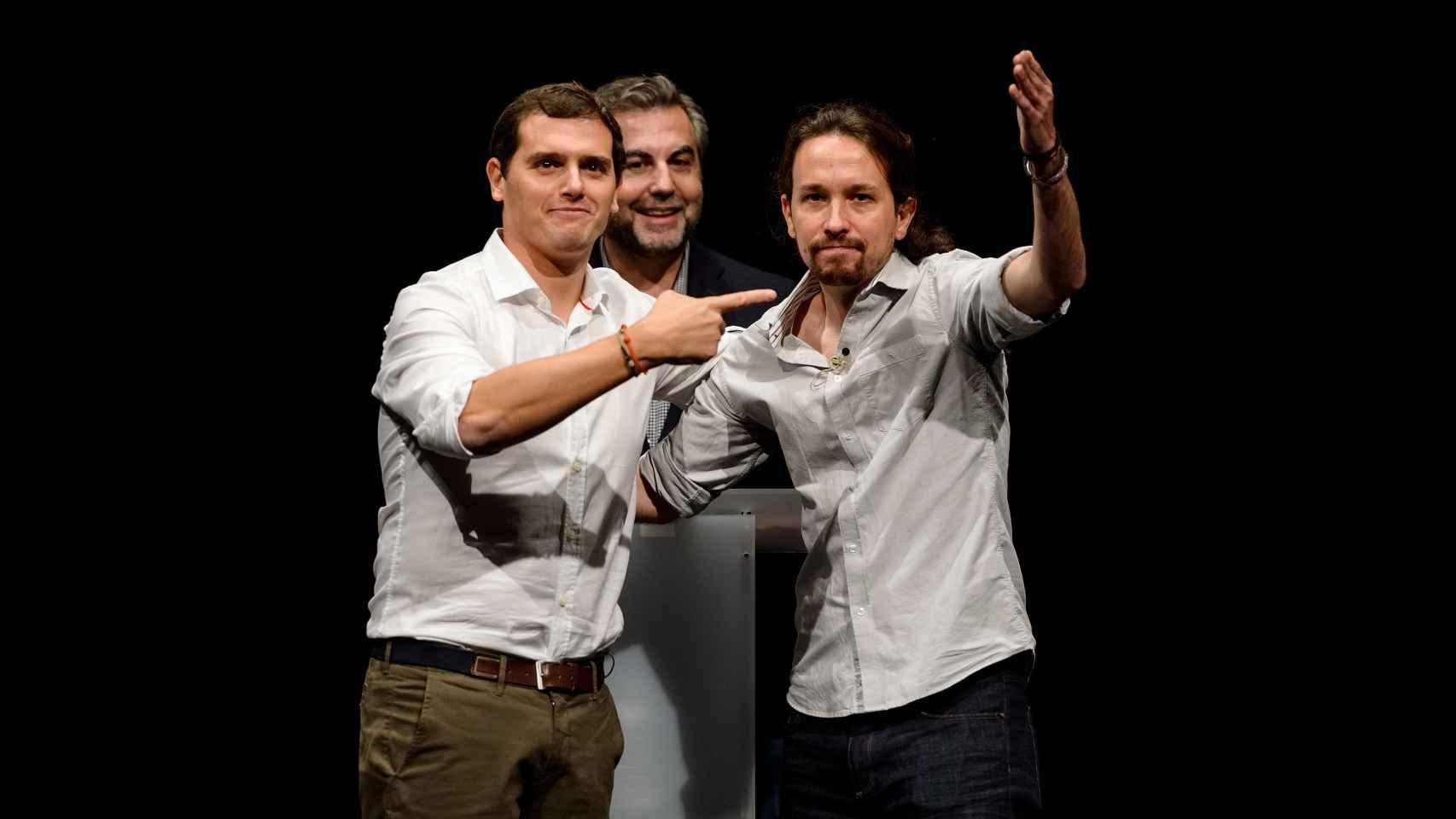 Rivera e Iglesias durante unl debate en la Universidad Carlos III de Madrid, junto a Carlos Alsina..