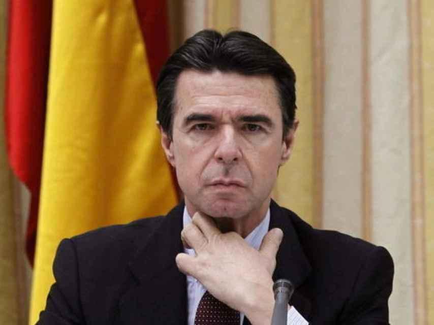 El ministro Soria se despide en forma de comunicado.