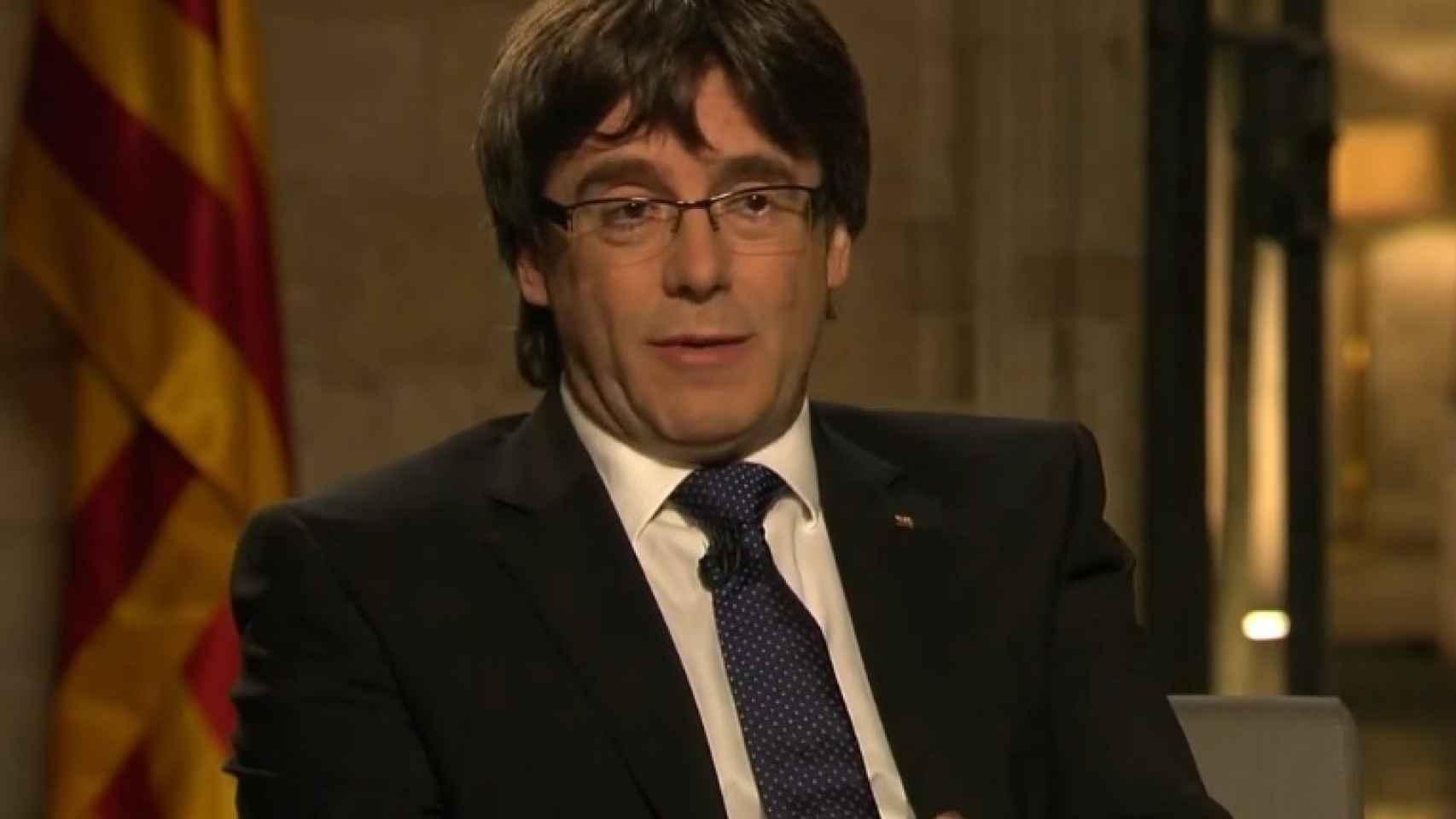 Carles Puigdemont durante su entrevista con Ana Pastor