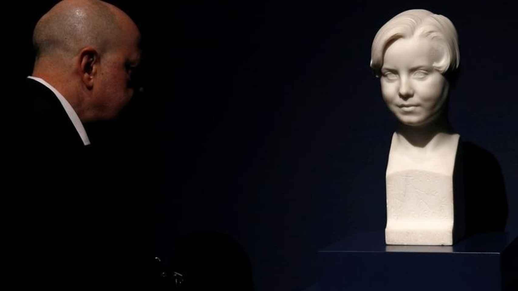 Busto de Miguelito, el quinto hijo de Miguel Blay, muerto con 8 años.