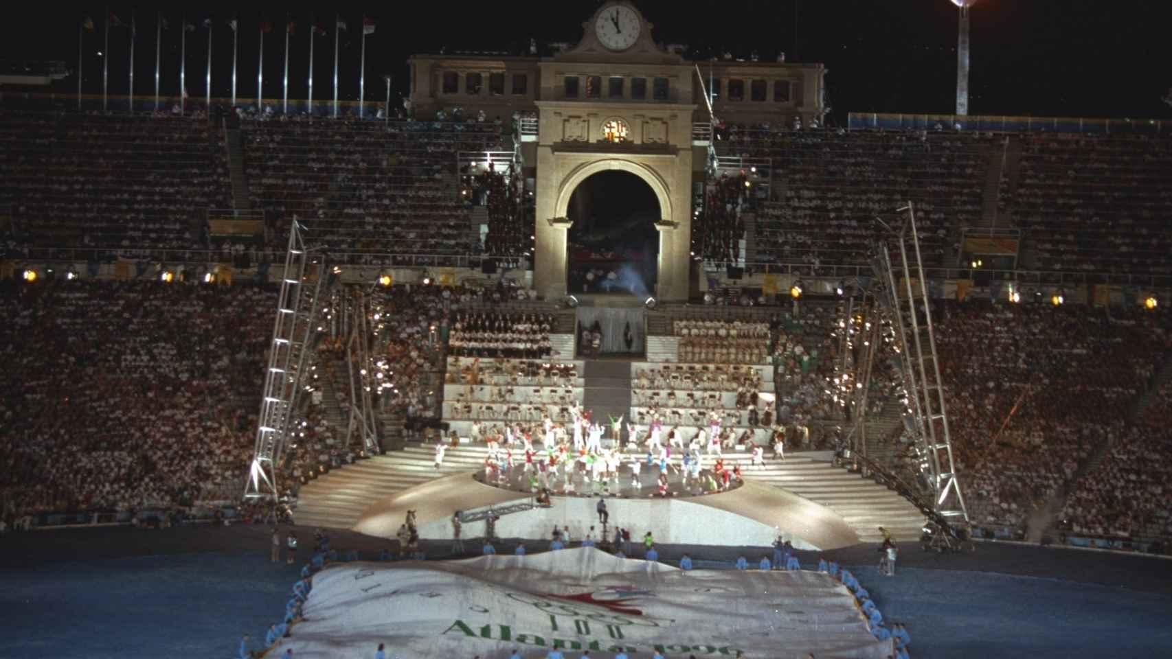 Imagen general de la ceremonia de clausura de los JJOO de Barcelona 1992.