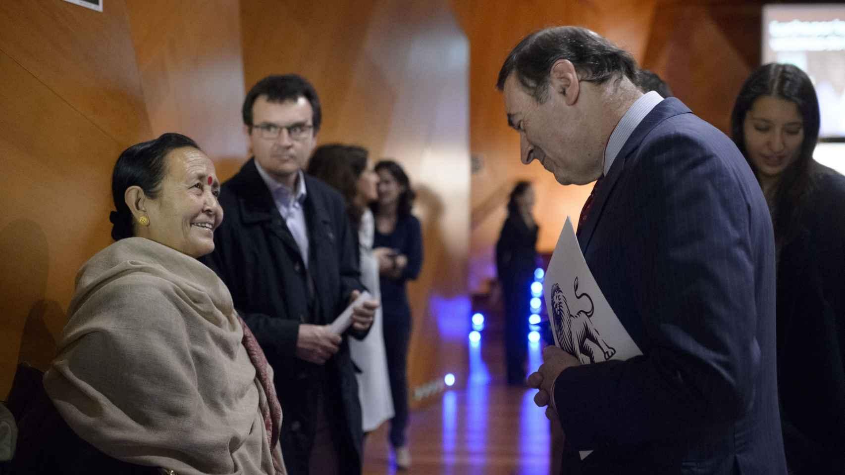 Pedro J. Ramírez ha mostrado su compromiso y el de EL ESPAÑOL contra la trata de seres humanos.
