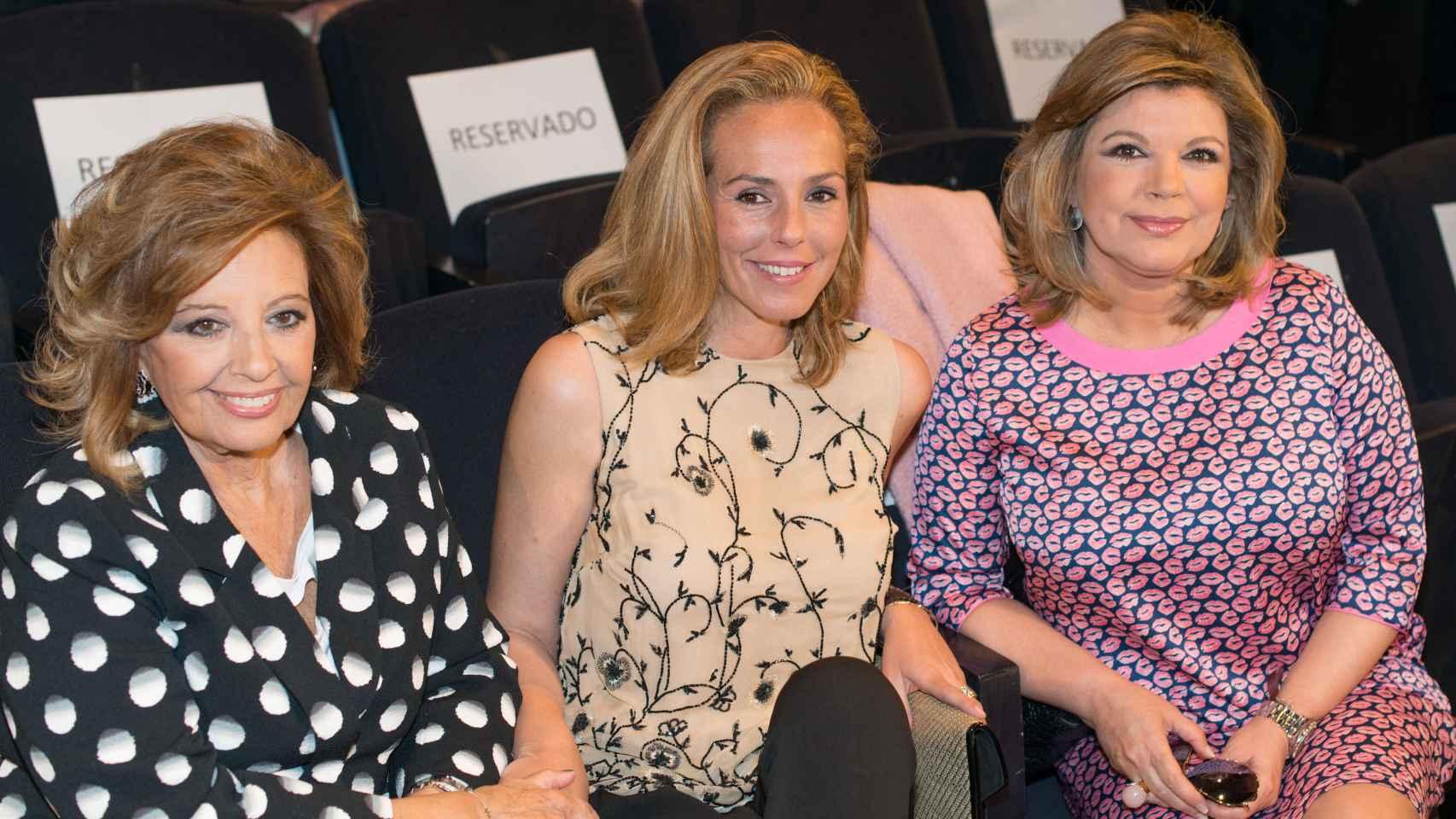 Mª Teresa Campos y Terelu han arropado a Rocío Carrasco en el acto