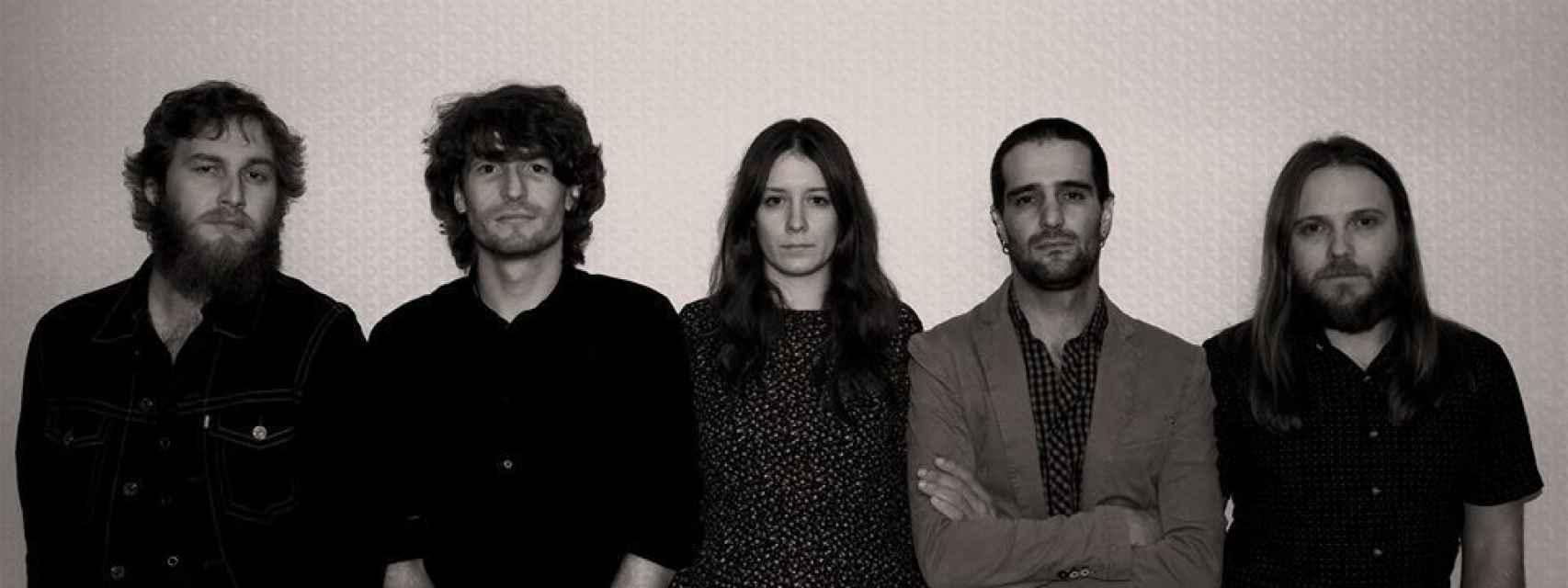 Morgan (su vocalista, Nina, al centro).