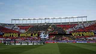 Tifo del Atlético antes de recibir al Barcelona.