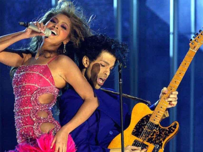 Beyoncé y Prince sobre el escenario