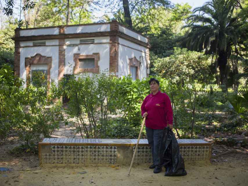 Carmen, con su pincho, en el Parque de María Luisa.