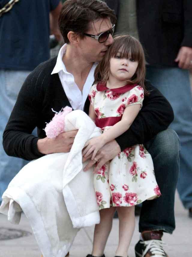 Suri con su padre Tom Cruise