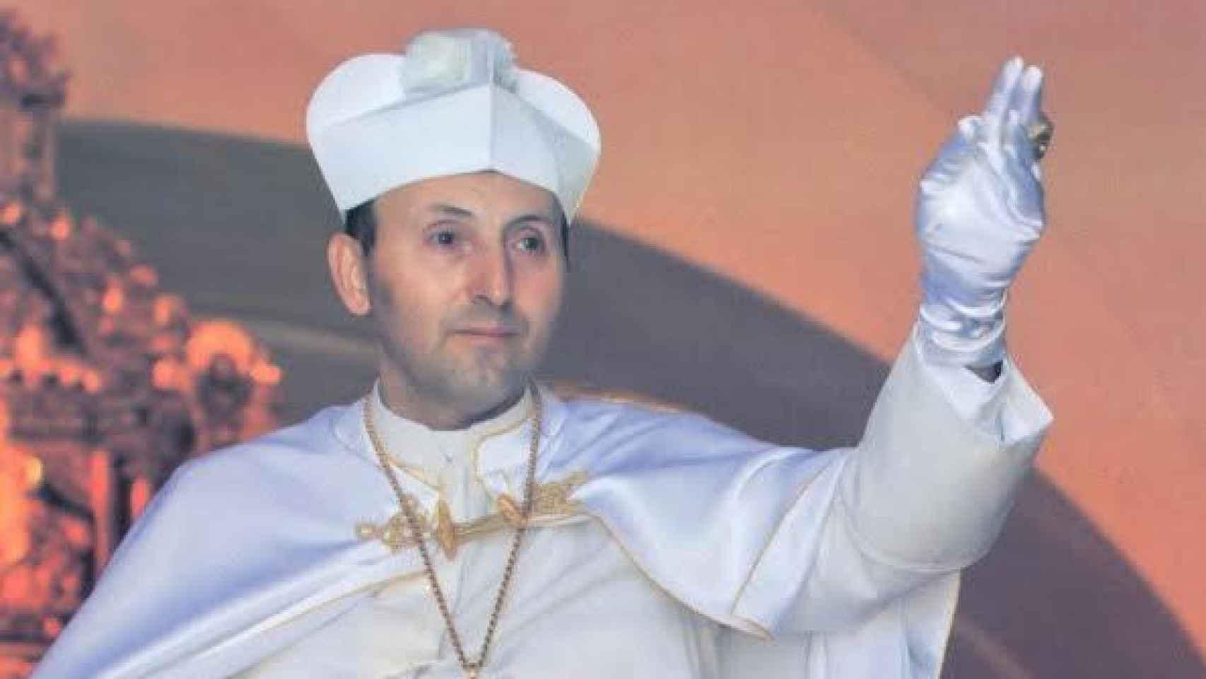 Ginés Jesús Hernández, durante una celebración en la iglesia de El Palmar de Troya.