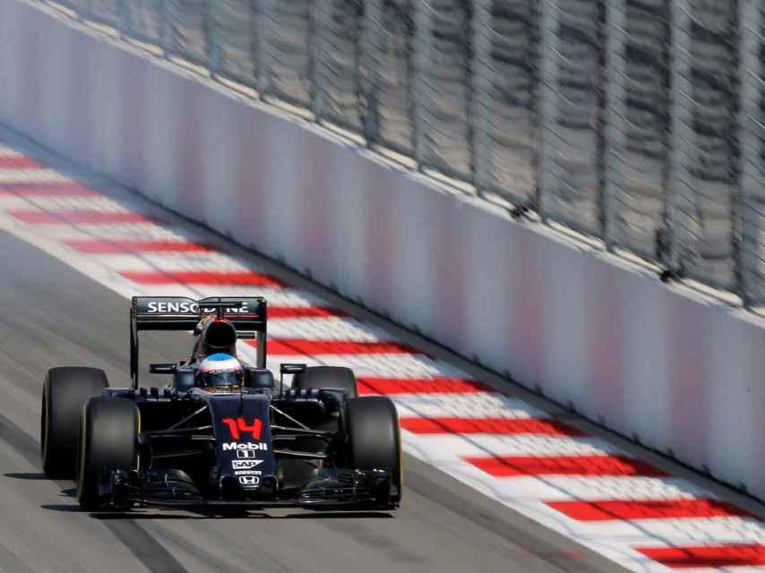 Fernando Alonso durante el Gran Premio de Rusia de Fórmula Uno.