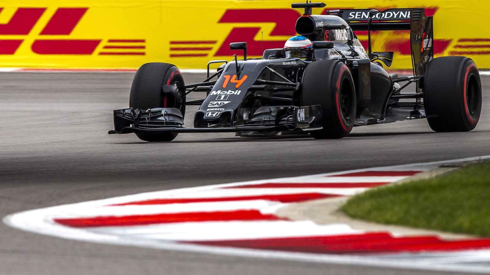 Fernando Alonso consiguió sus primeros puntos de la temporada en Sochi.