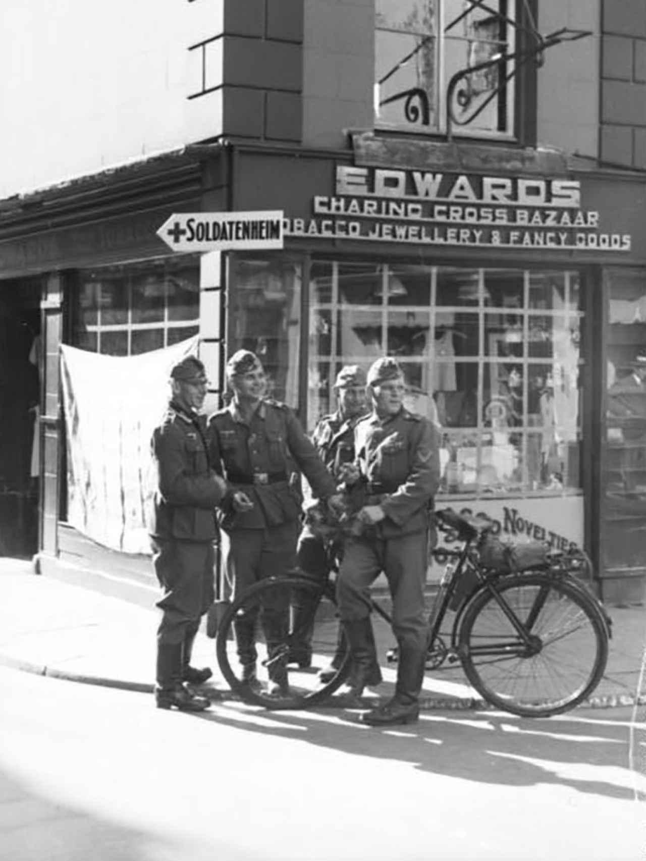 Soldados nazis en la isla de Jersey, durante la ocupación.