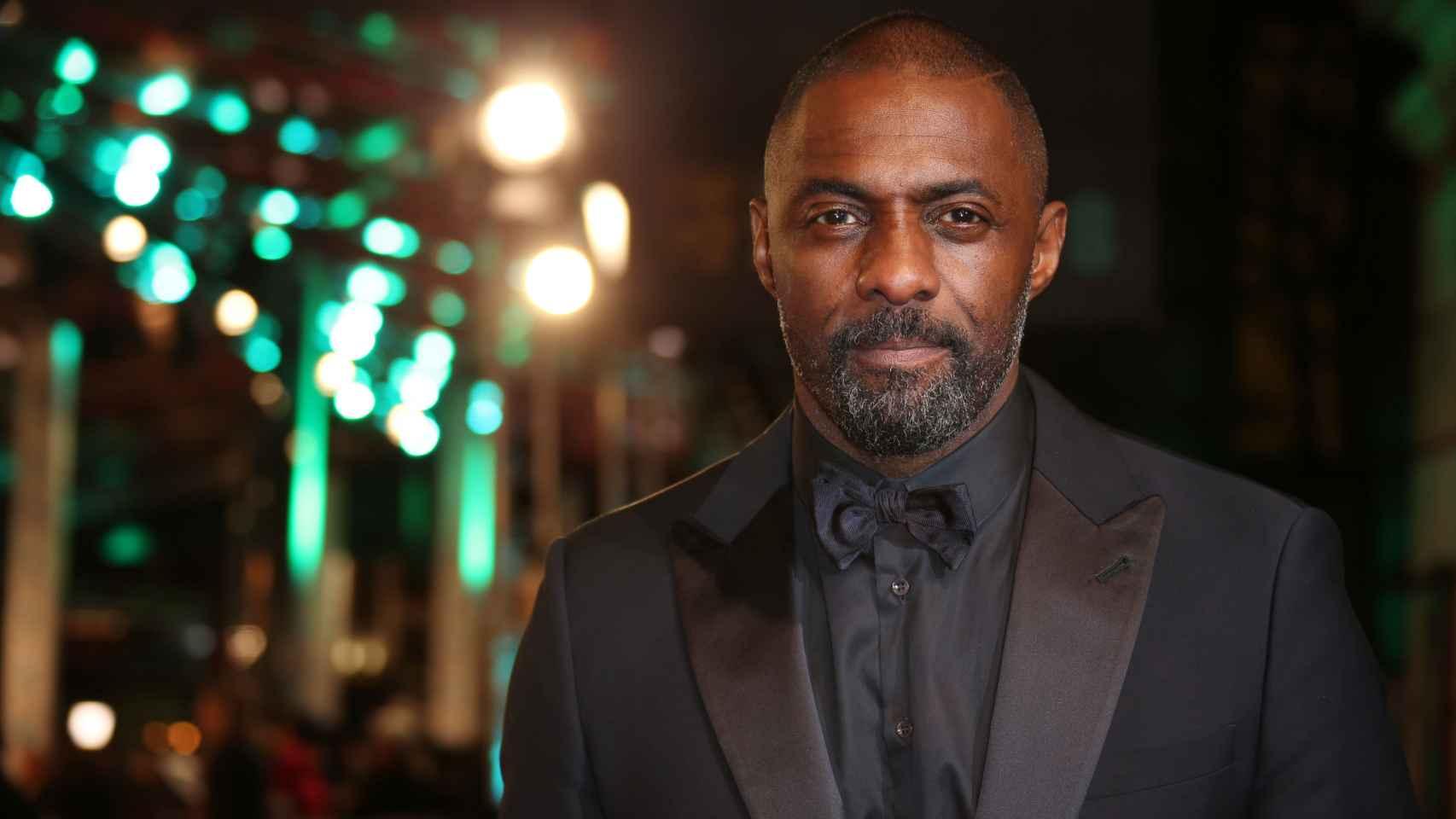 Idris Elba en los Premios Bafta de 2016