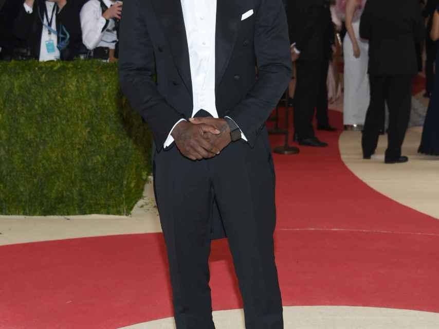 Idris Elba en la Gala del Met de 2016