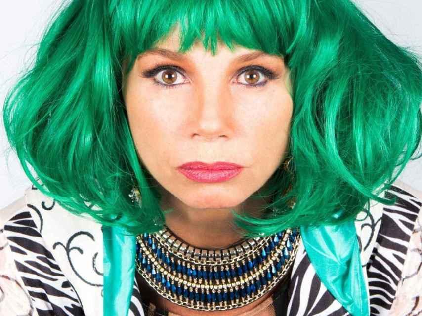 Victoria Abril disfrazada en Nacida para ganar.