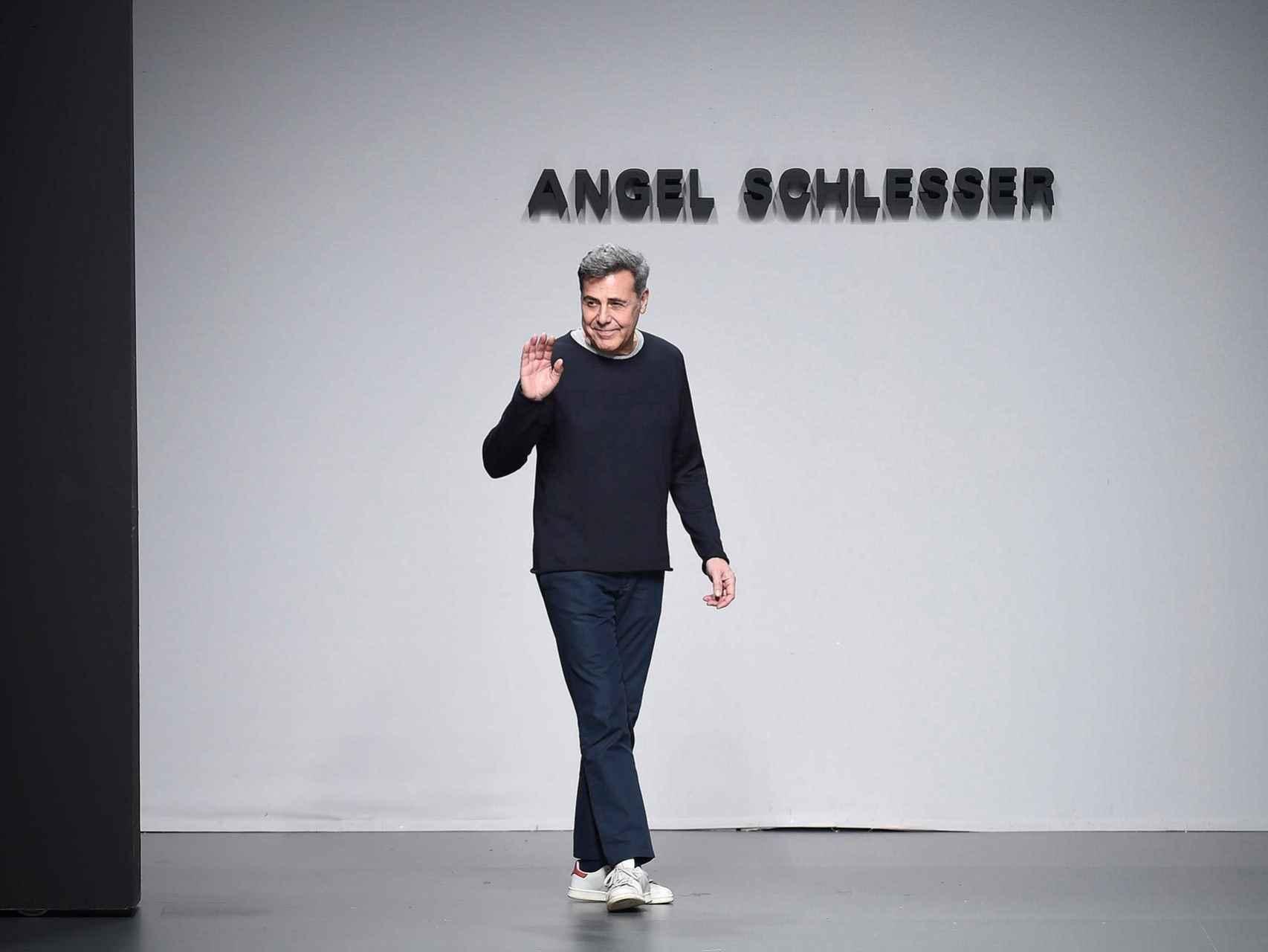El diseñador Ángel Schlesser tras su último desfile en Madrid.