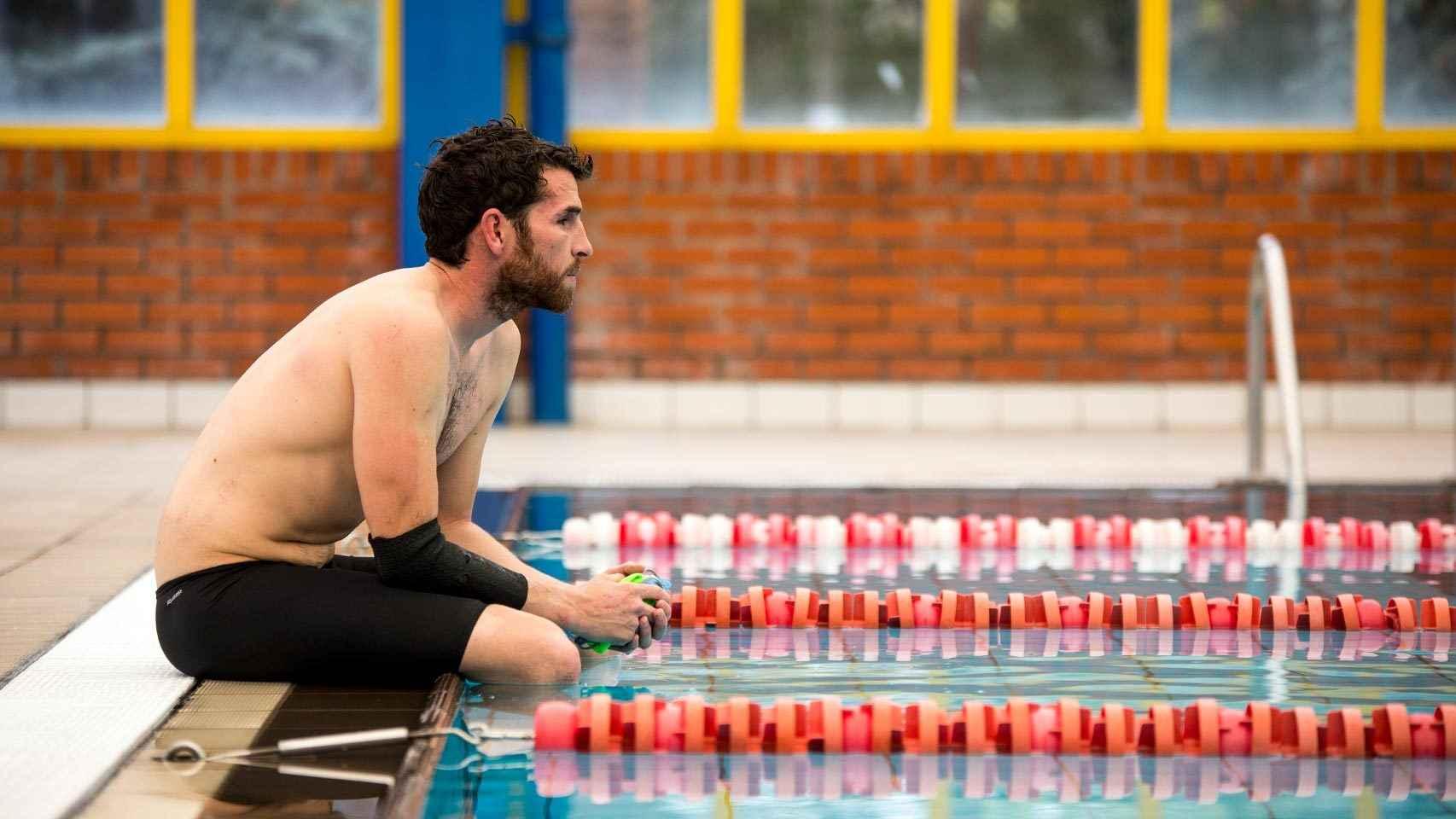 Jota, en la piscina, tras el entrenamiento.